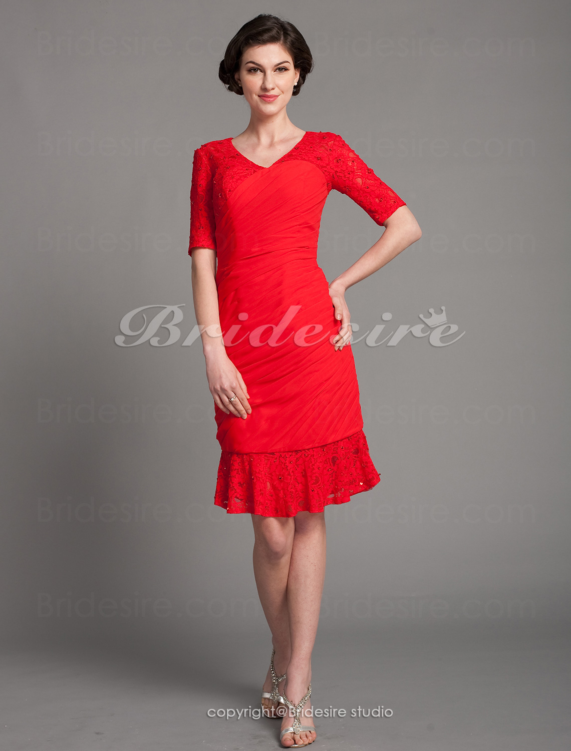 Sheath/ Column Chiffon Knee-length V-neck Mother of the Bride Dress