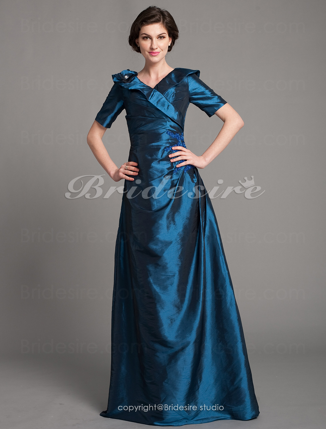 A-line Taffeta Floor-length V-neck Mother of the Bride Dress