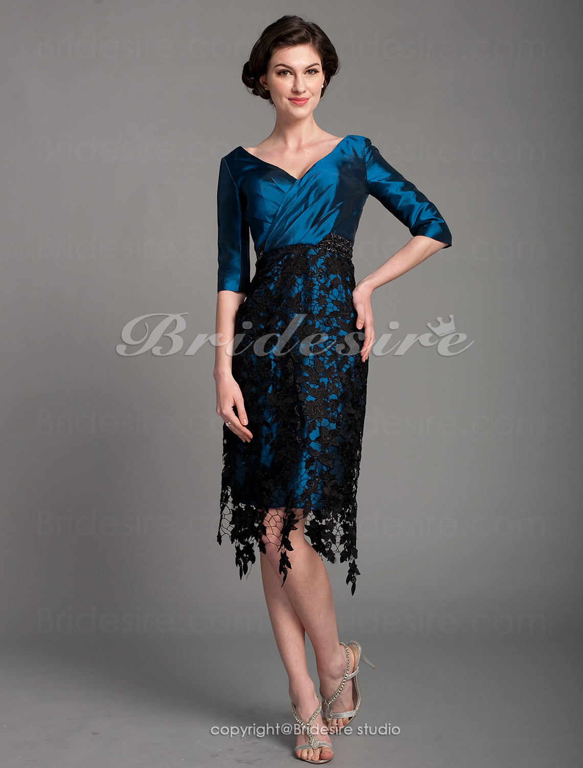 Sheath/Column Polyester V-neck Knee-length Half Sleeve Mother of the Bride Dress