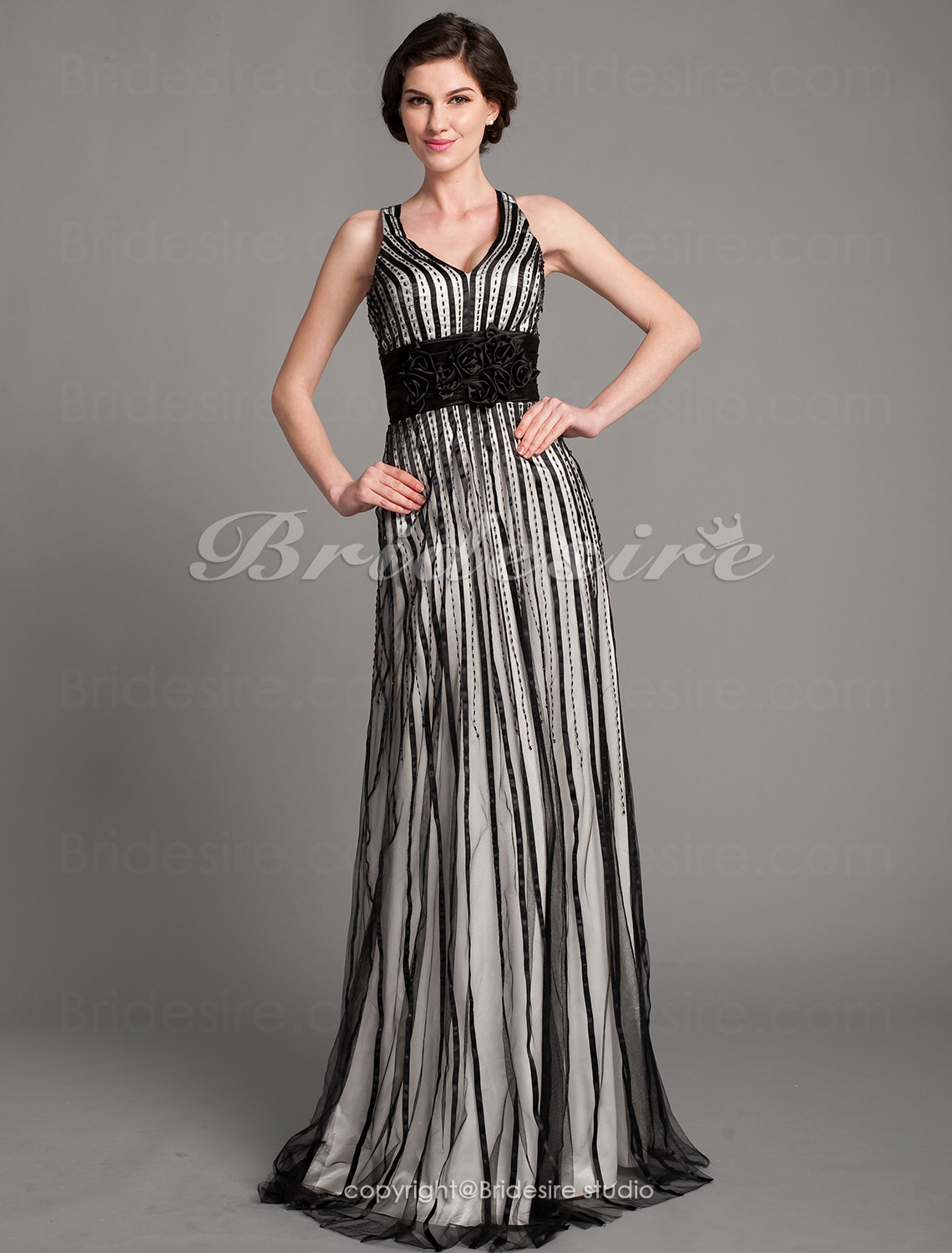 Sheath/Column Tulle Floor-length V-neck Evening Dress