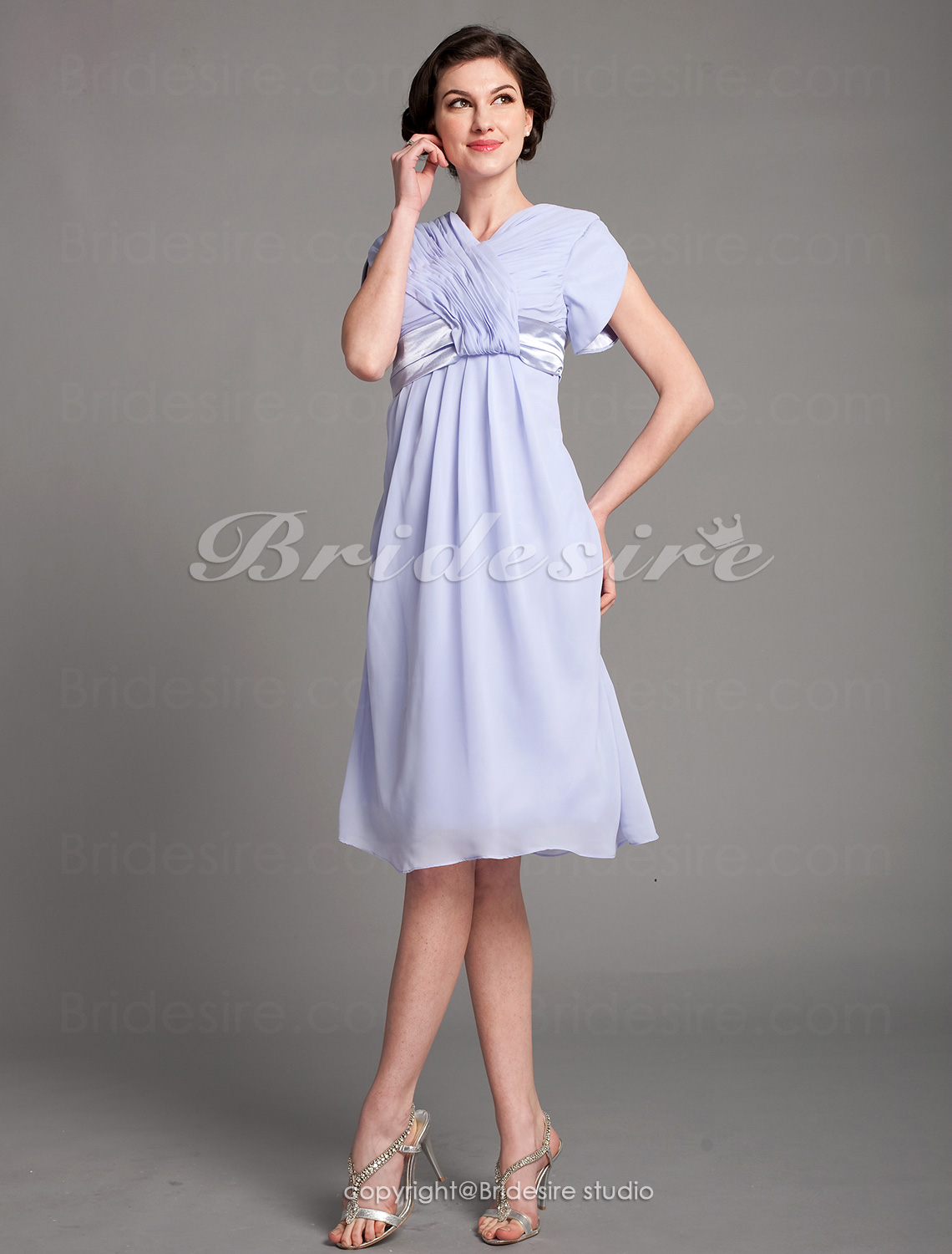 A-line Chiffon Knee-length V-neck Mother Of The Bride Dress