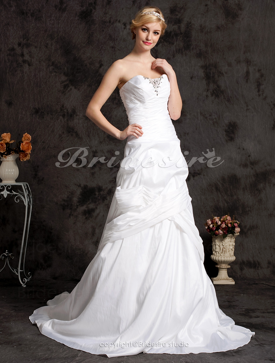 A-line Court Train Taffeta Satin Side-draped Sweetheart Wedding Dress