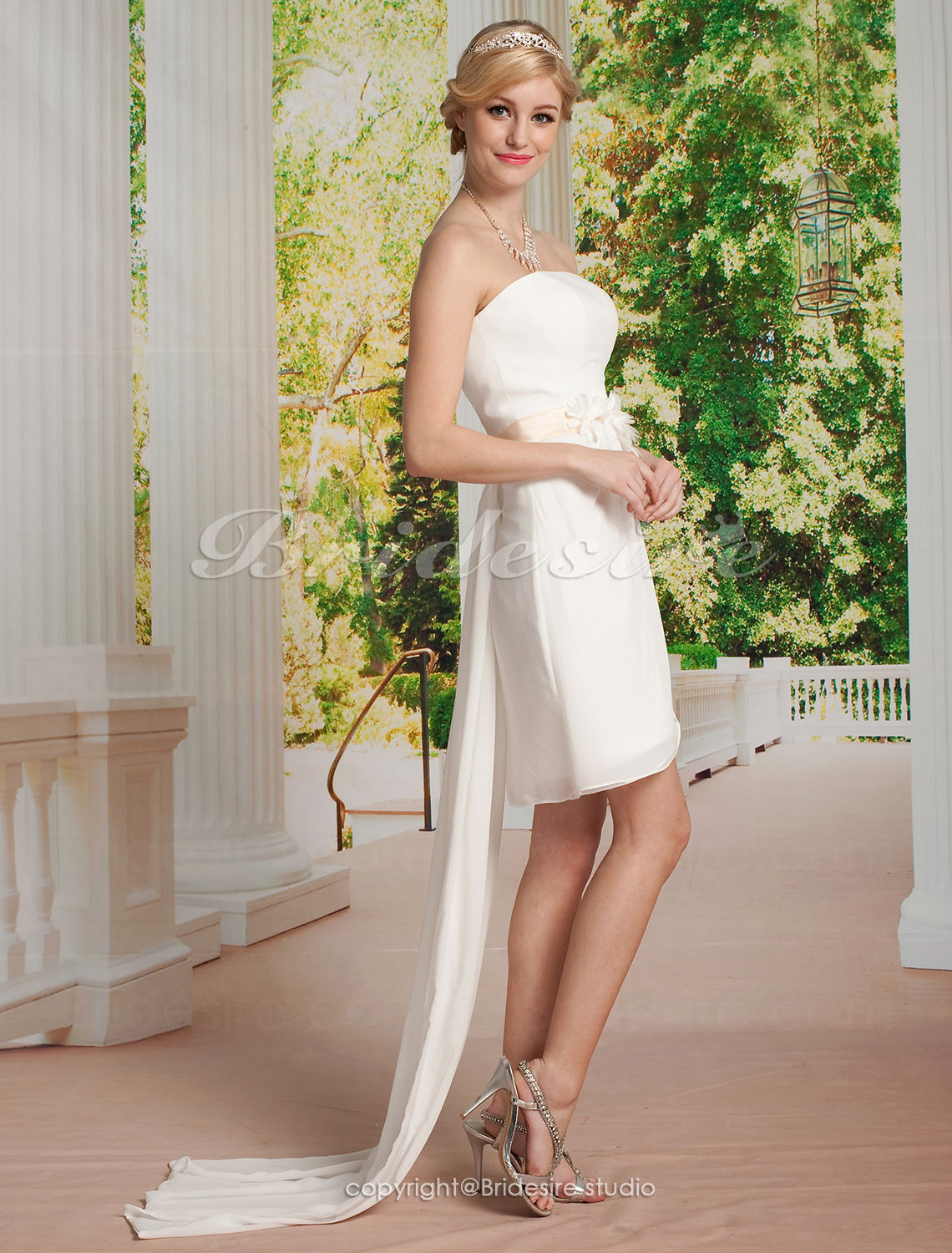 Sheath/ Column Organza Knee-length Strapless Wedding Dress