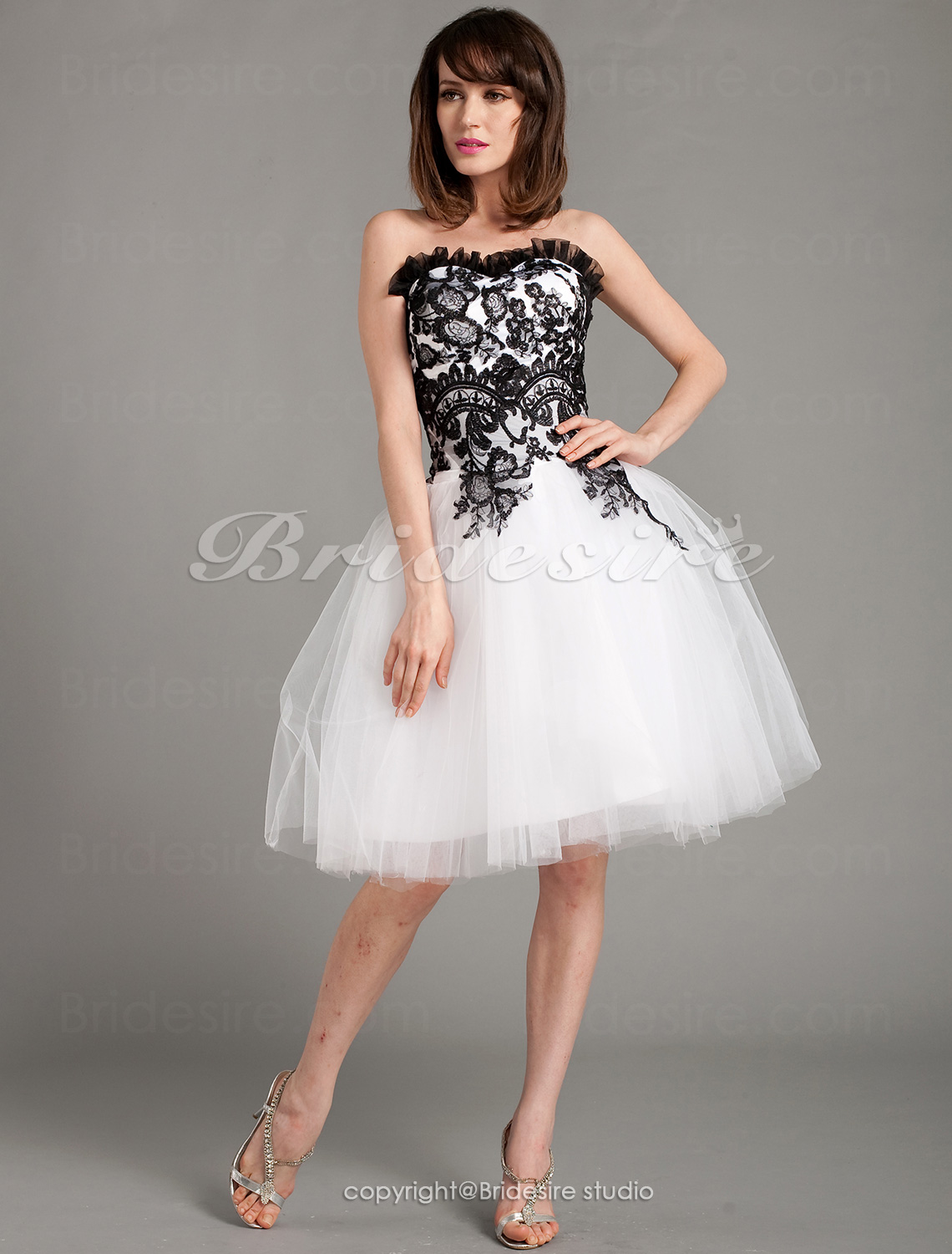 Ball Gown Lace And Tulle Knee-length Sweetheart Cocktail/ Homecoming Dress