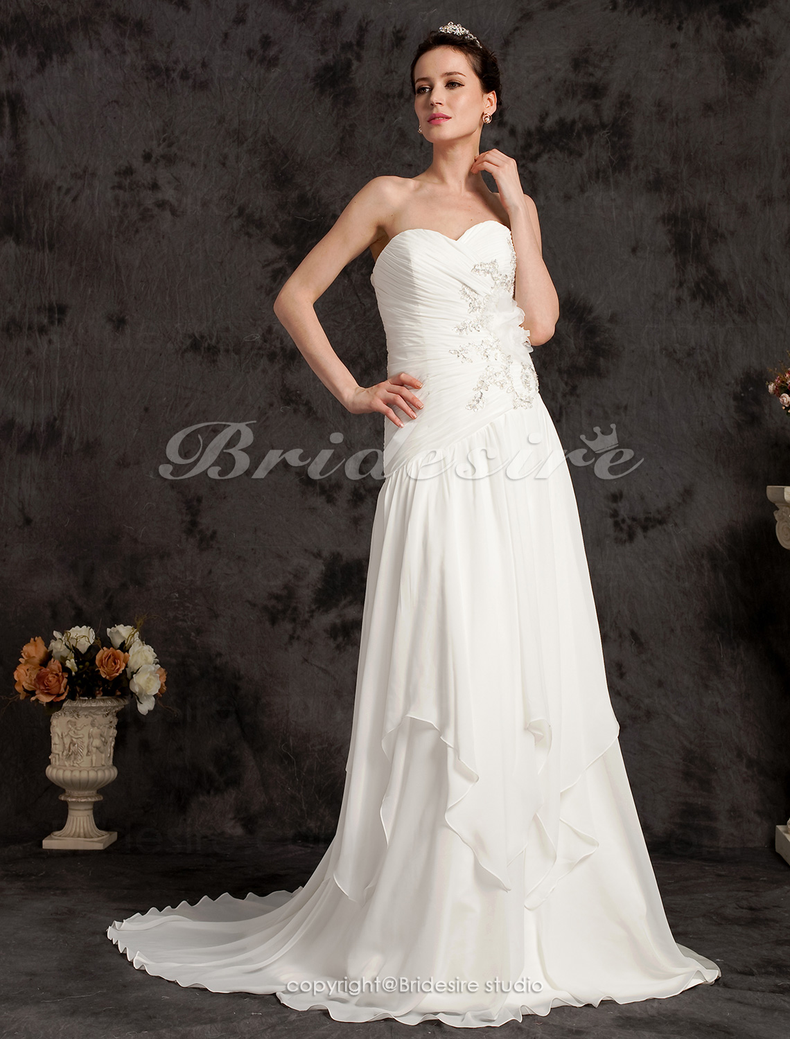 Sheath/Column Chiffon And Stretch Satin Court Train Sweetheart Wedding Dress