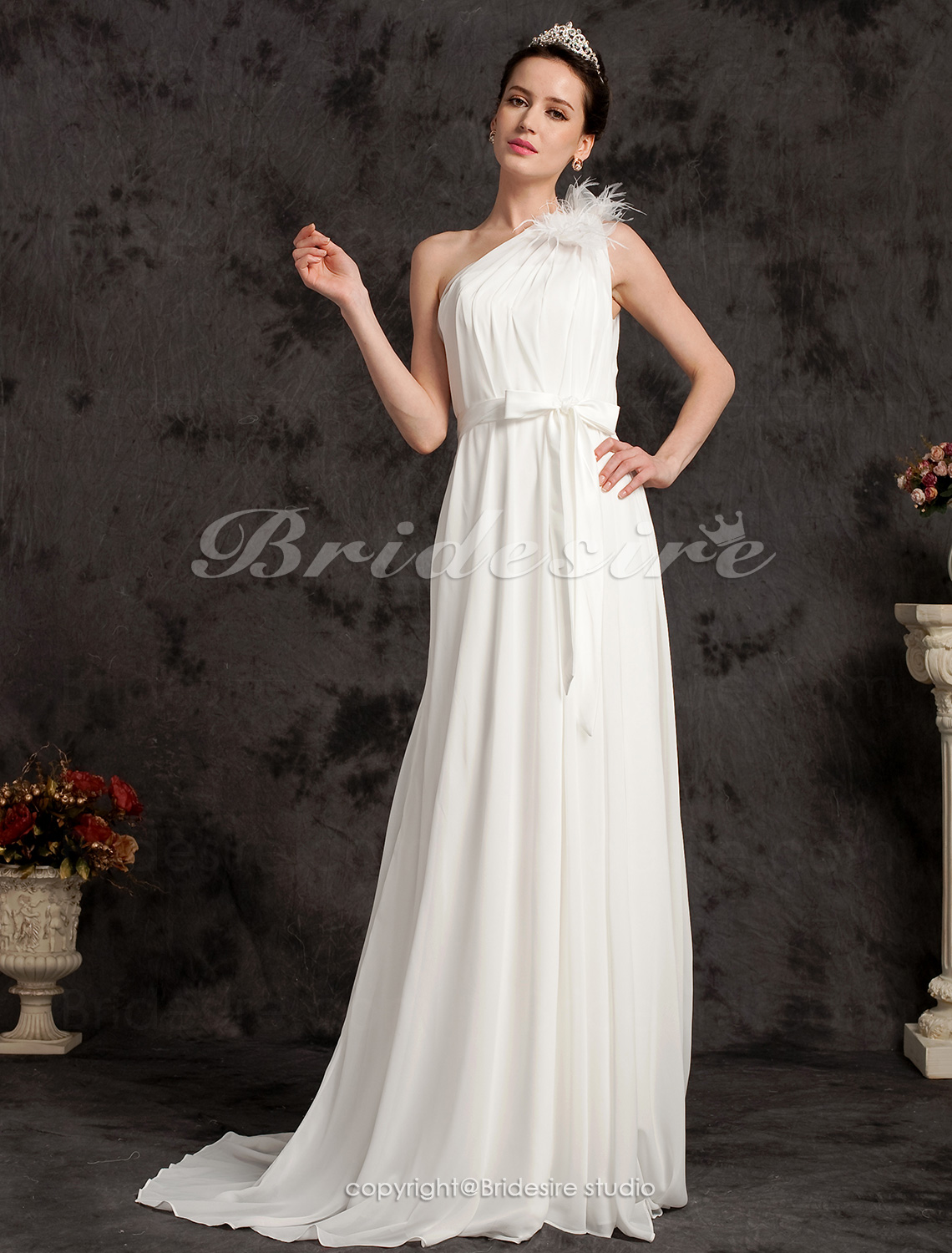Sheath/Column Chiffon And Organza Court Train One Shoulder Wedding Dress