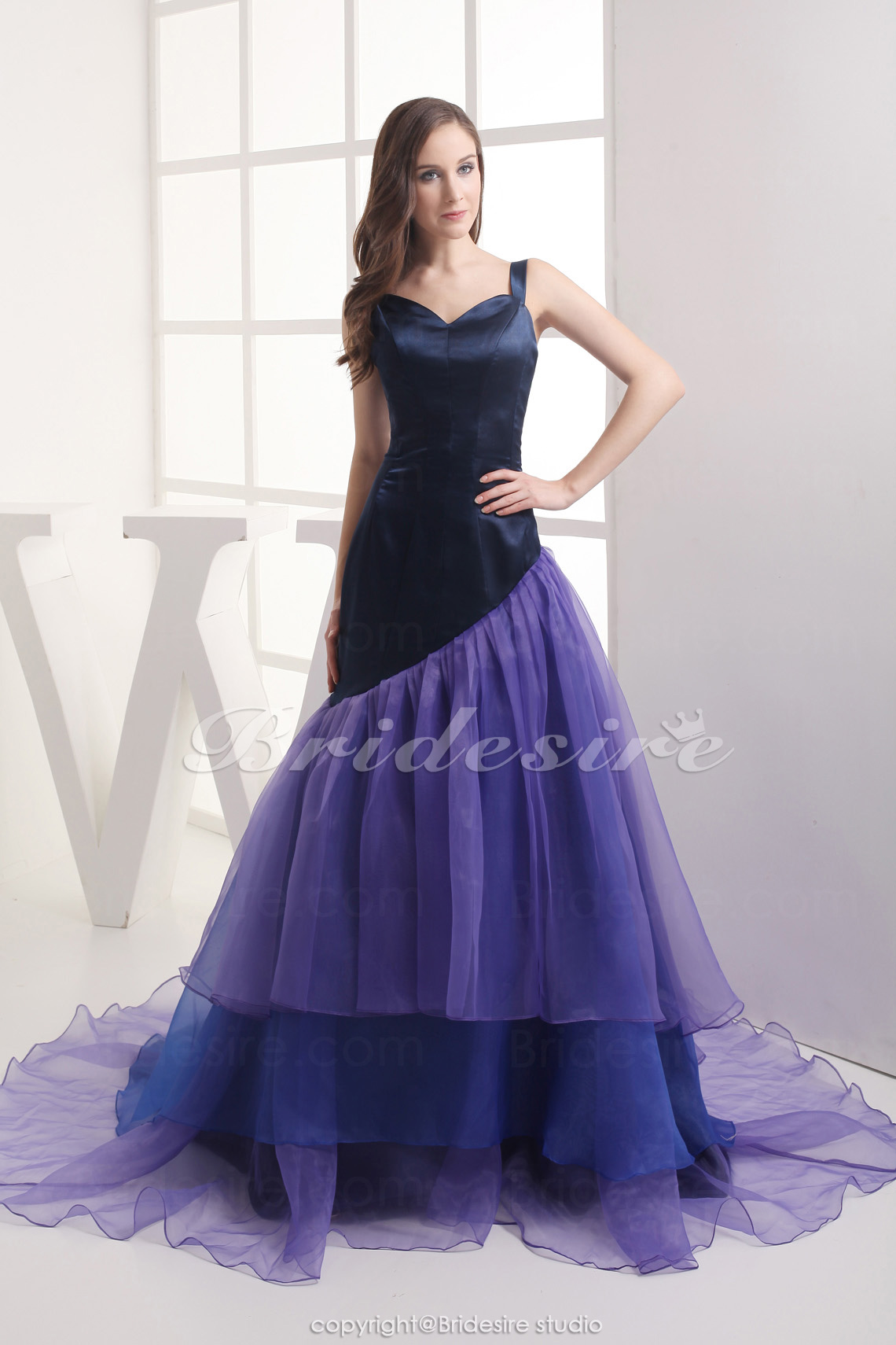 Ball Gown Sweetheart Chapel Train Sleeveless Stretch Satin Organza Dress