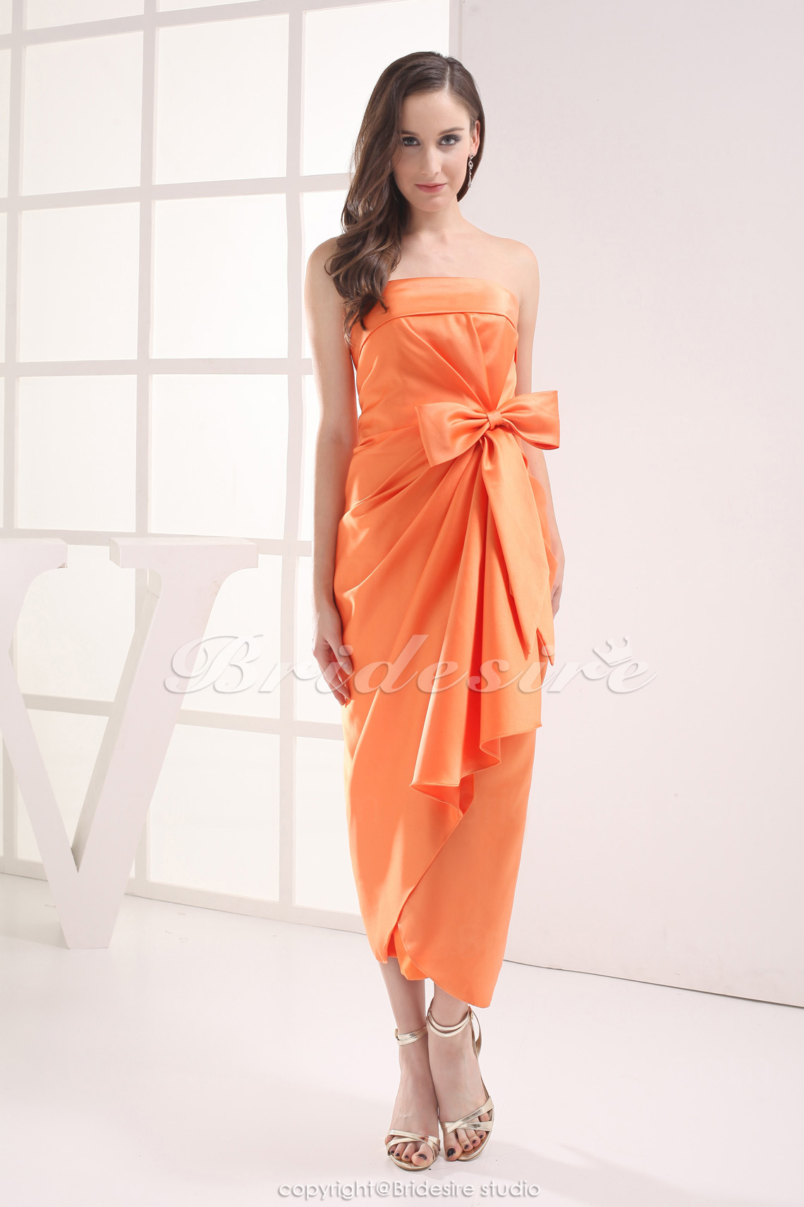 Sheath/Column Strapless Tea-length Sleeveless Stretch Satin Dress