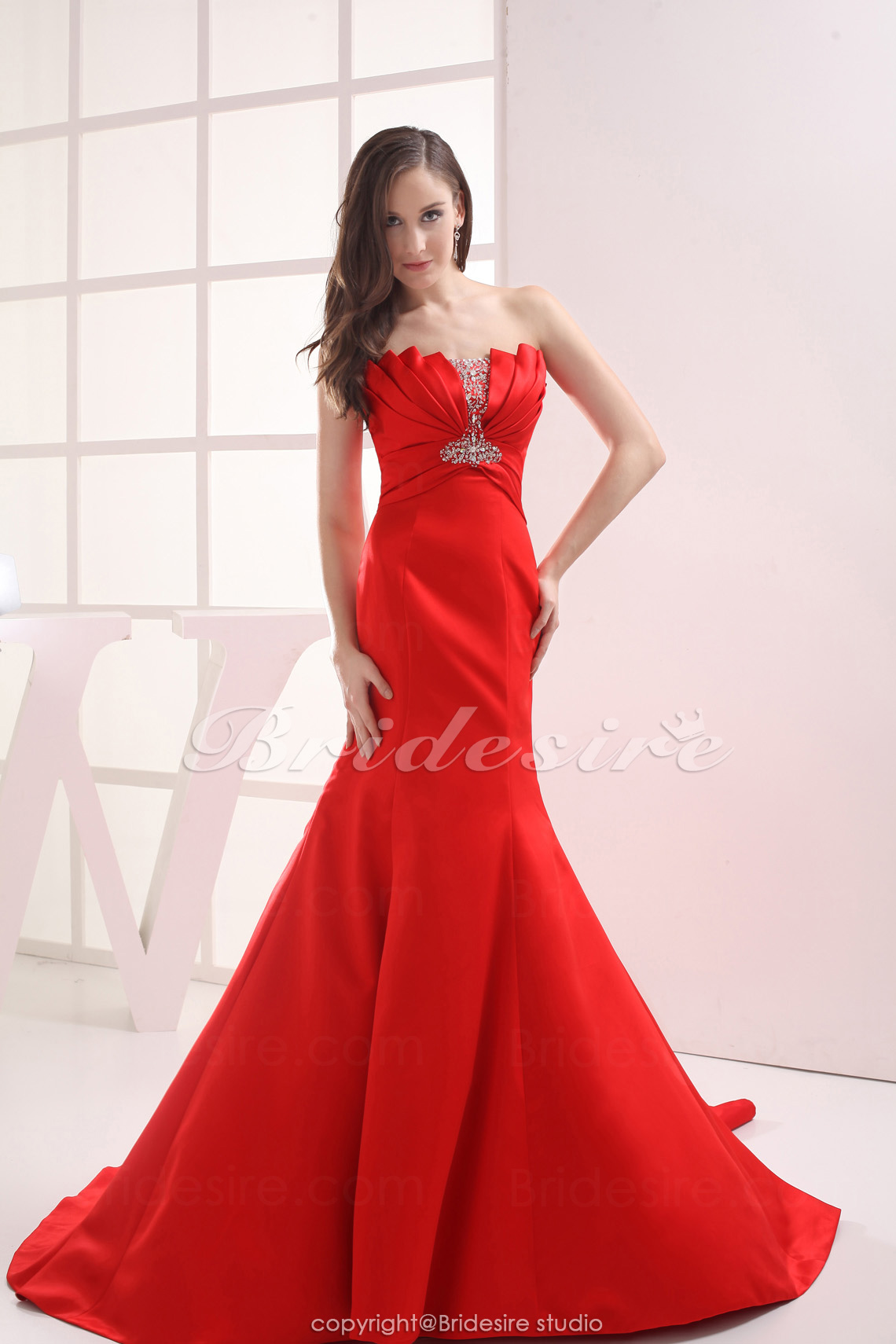 Trumpet/Mermaid Strapless Chapel Train Sleeveless Satin Dress