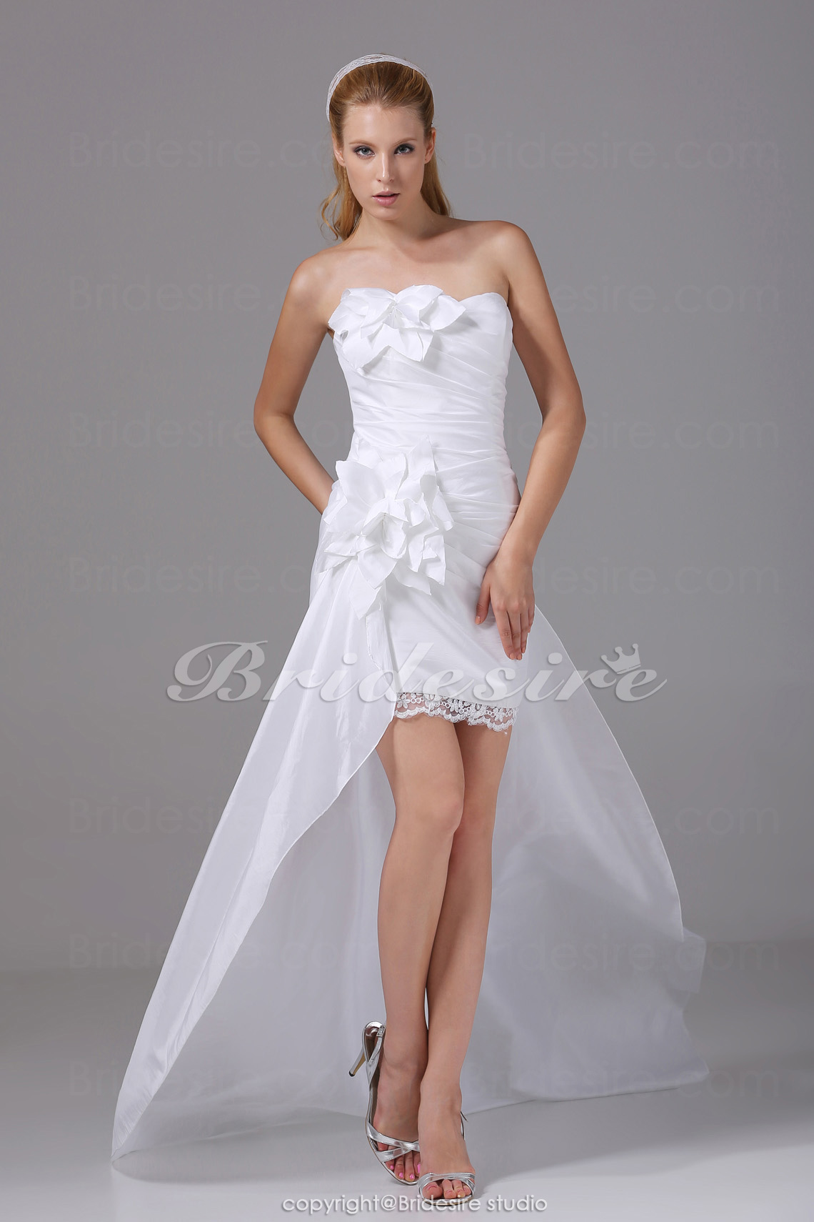 A-line Strapless Asymmetrical Short/Mini Court Train Sleeveless Taffeta Lace Wedding Dress