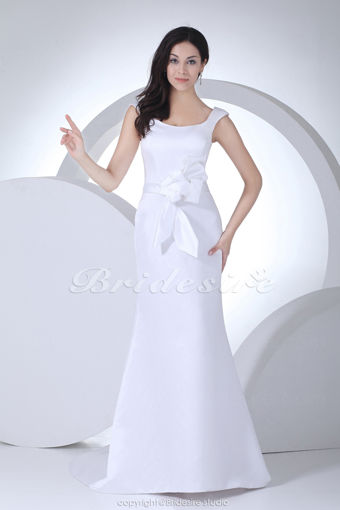 Trumpet/Mermaid Scoop Sweep Train Sleeveless Satin Wedding Dress