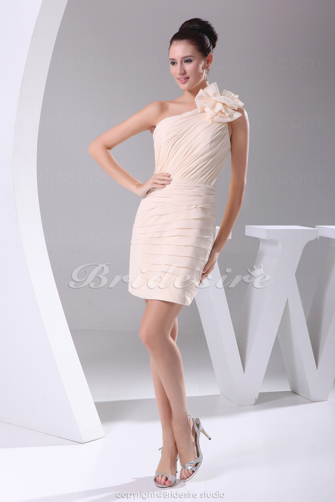 Sheath/Column One Shoulder Short/Mini Sleeveless Chiffon Bridesmaid Dress