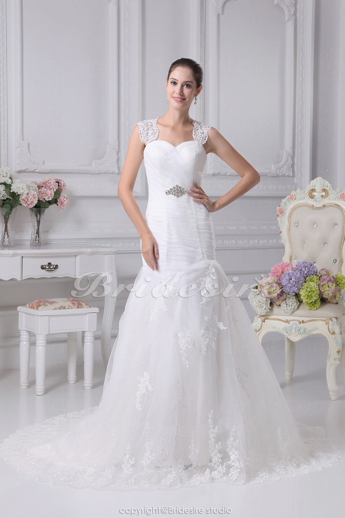 Trumpet/Mermaid Sweetheart Straps Chapel Train Sleeveless Satin Tulle Wedding Dress