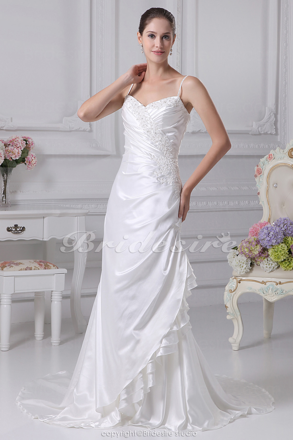 Trumpet/Mermaid Sweetheart Spaghetti Straps Chapel Train Sleeveless Stretch Satin Wedding Dress