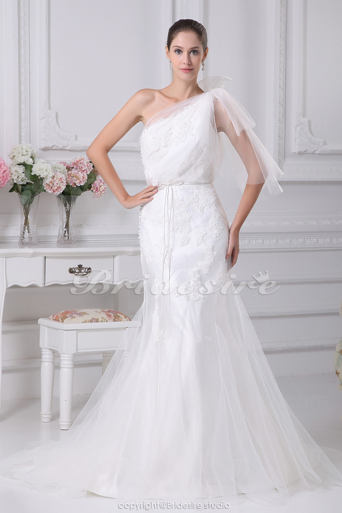 Trumpet/Mermaid One Shoulder Court Train Half Sleeve Satin Tulle Wedding Dress
