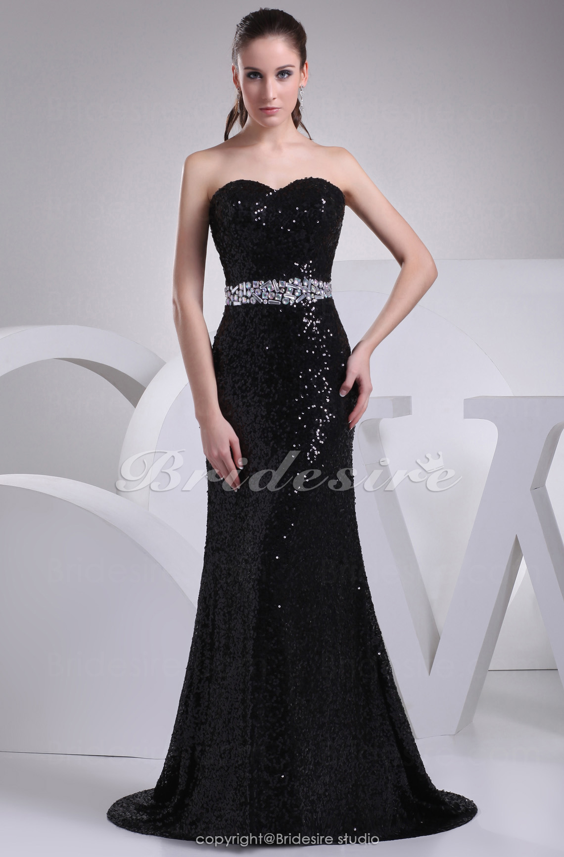 Trumpet/Mermaid Sweetheart Sweep Train Sleeveless Sequined Dress