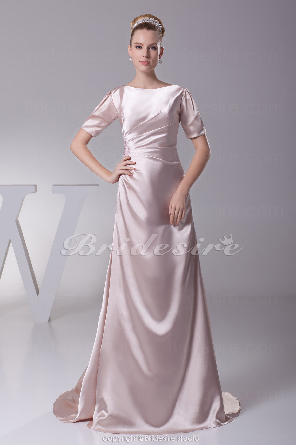 A-line Scoop Sweep/Brush Train Short Sleeve Stretch Satin Mother of the Bride Dress