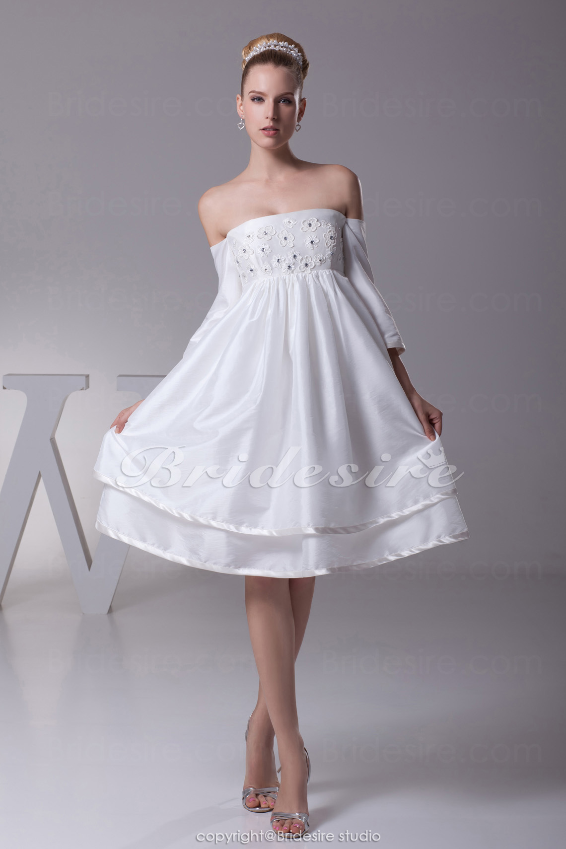 A-line Strapless Knee-length Short Sleeve Taffeta Dress