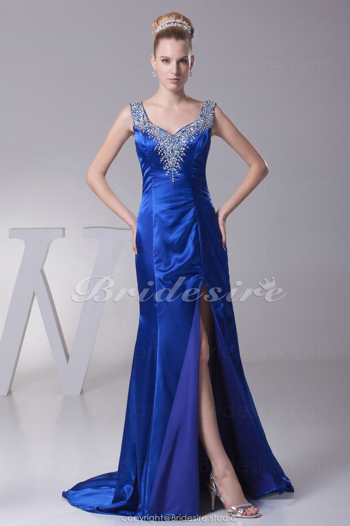 Trumpet/Mermaid Sweetheart Court Train Sleeveless Stretch Satin Dress