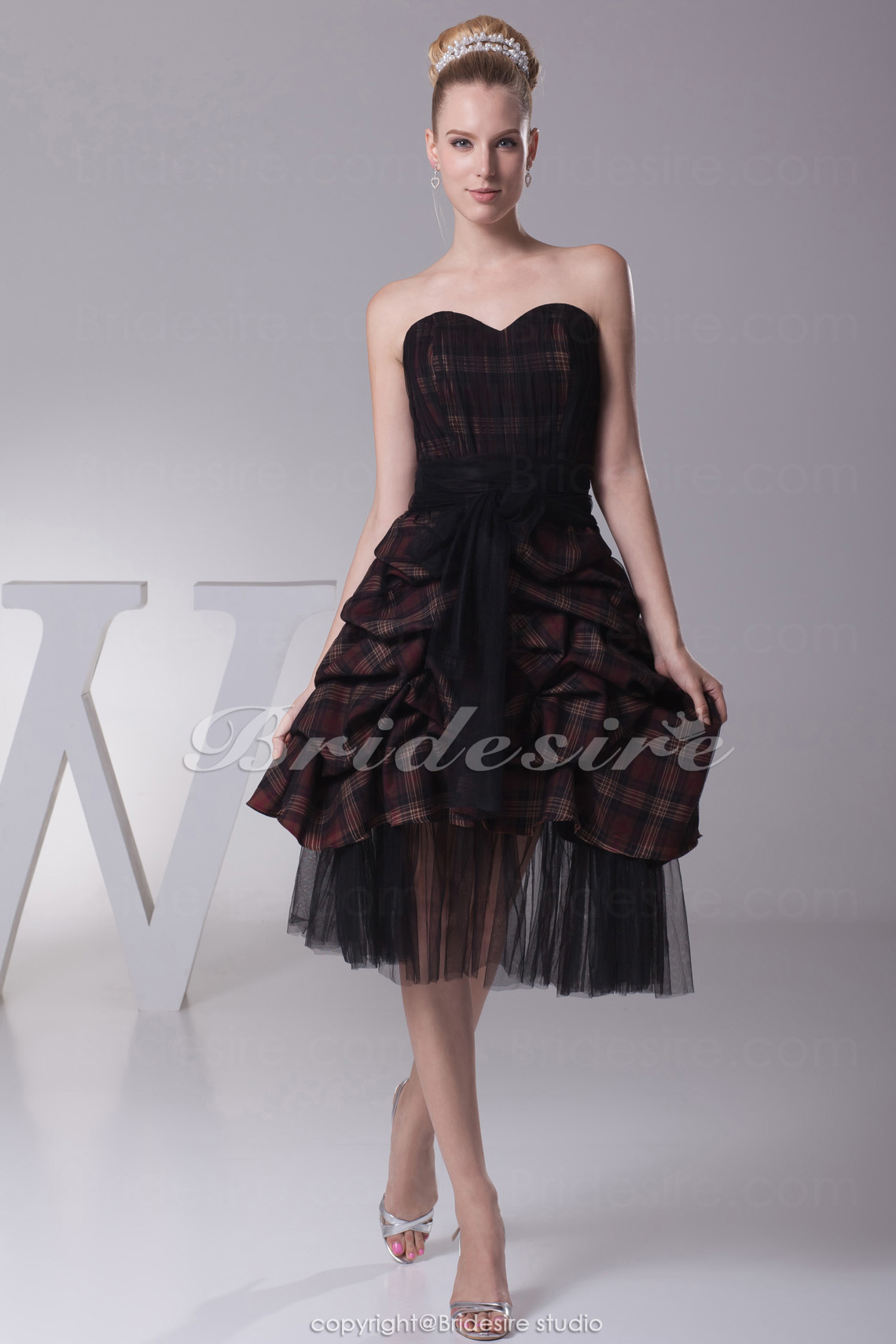 Princess Sweetheart Tea-length Sleeveless Tulle Bridesmaid Dress