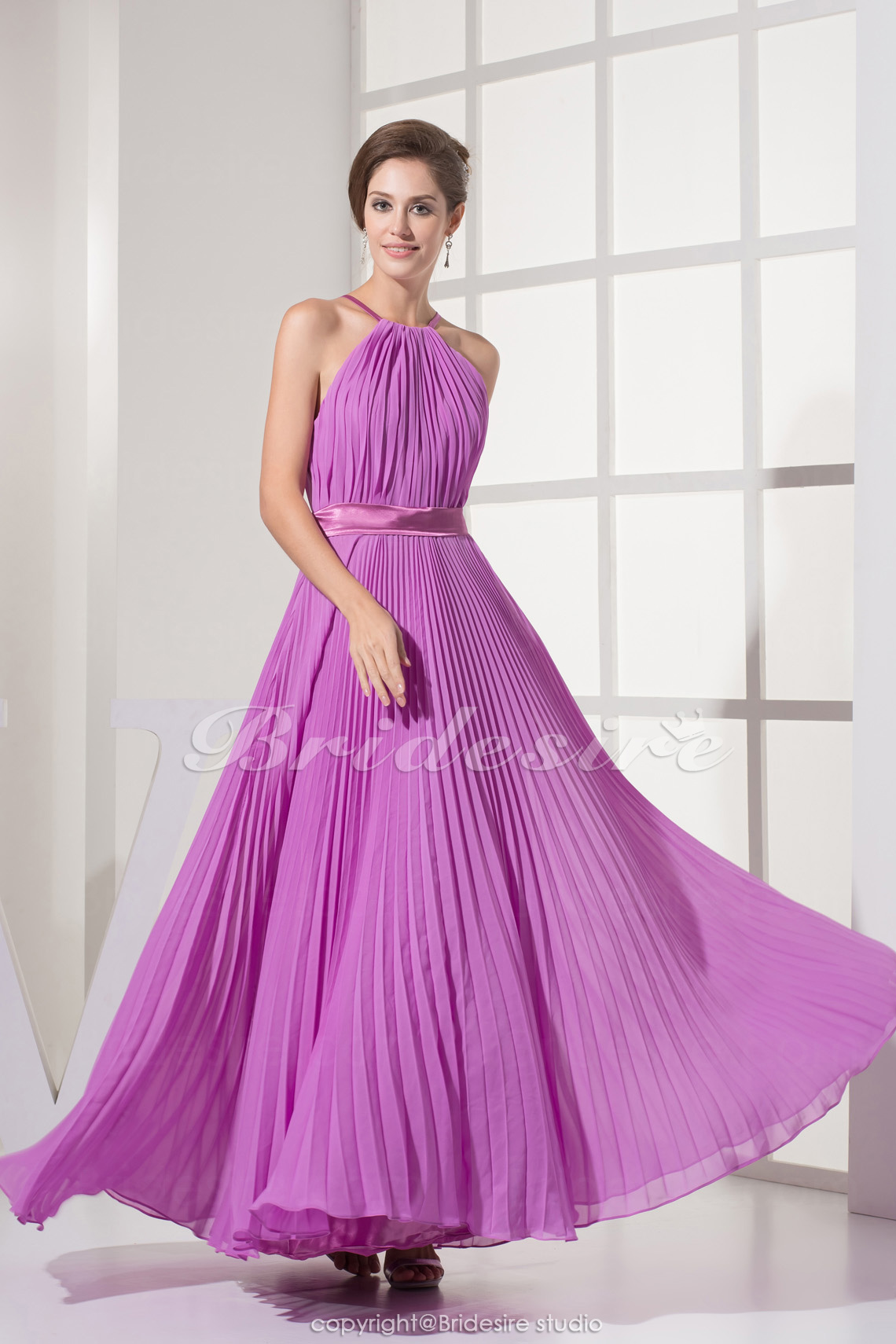 Sheath/Column Halter Floor-length Sleeveless Chiffon Stretch Satin Dress