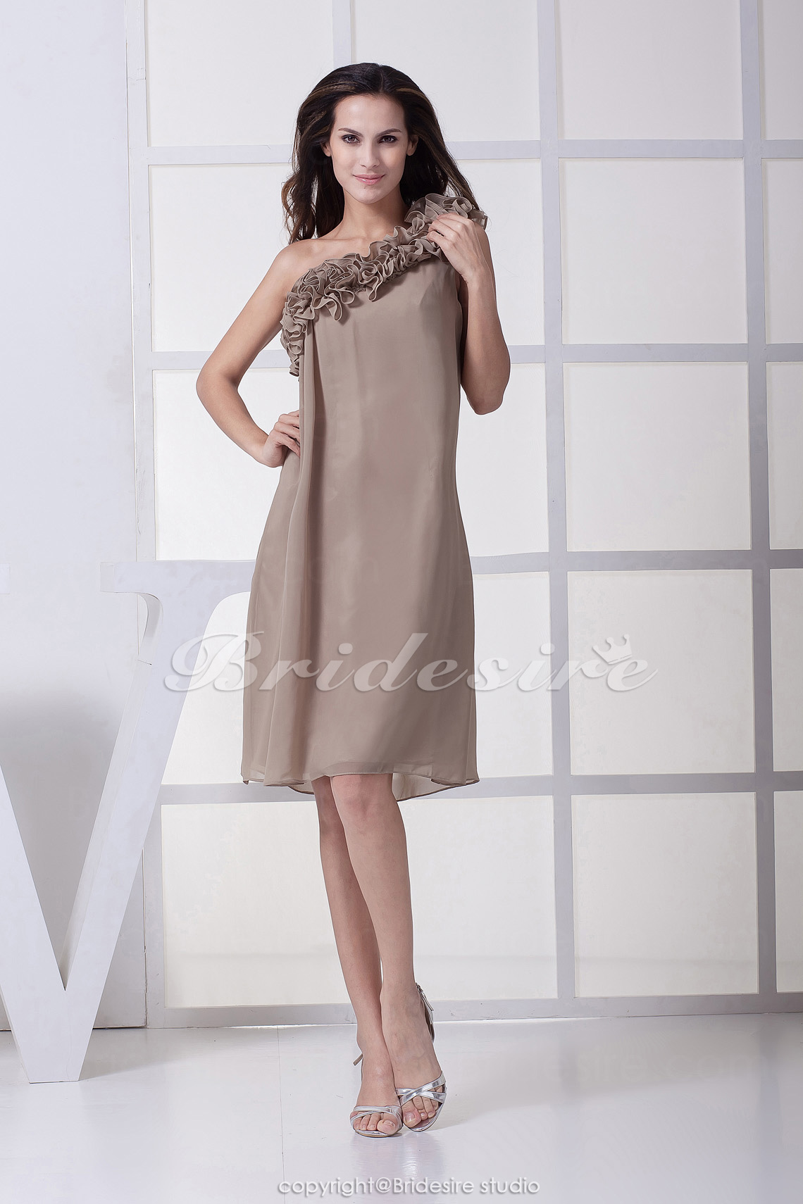 Sheath/Column One Shoulder Knee-length Sleeveless Chiffon Bridesmaid Dress