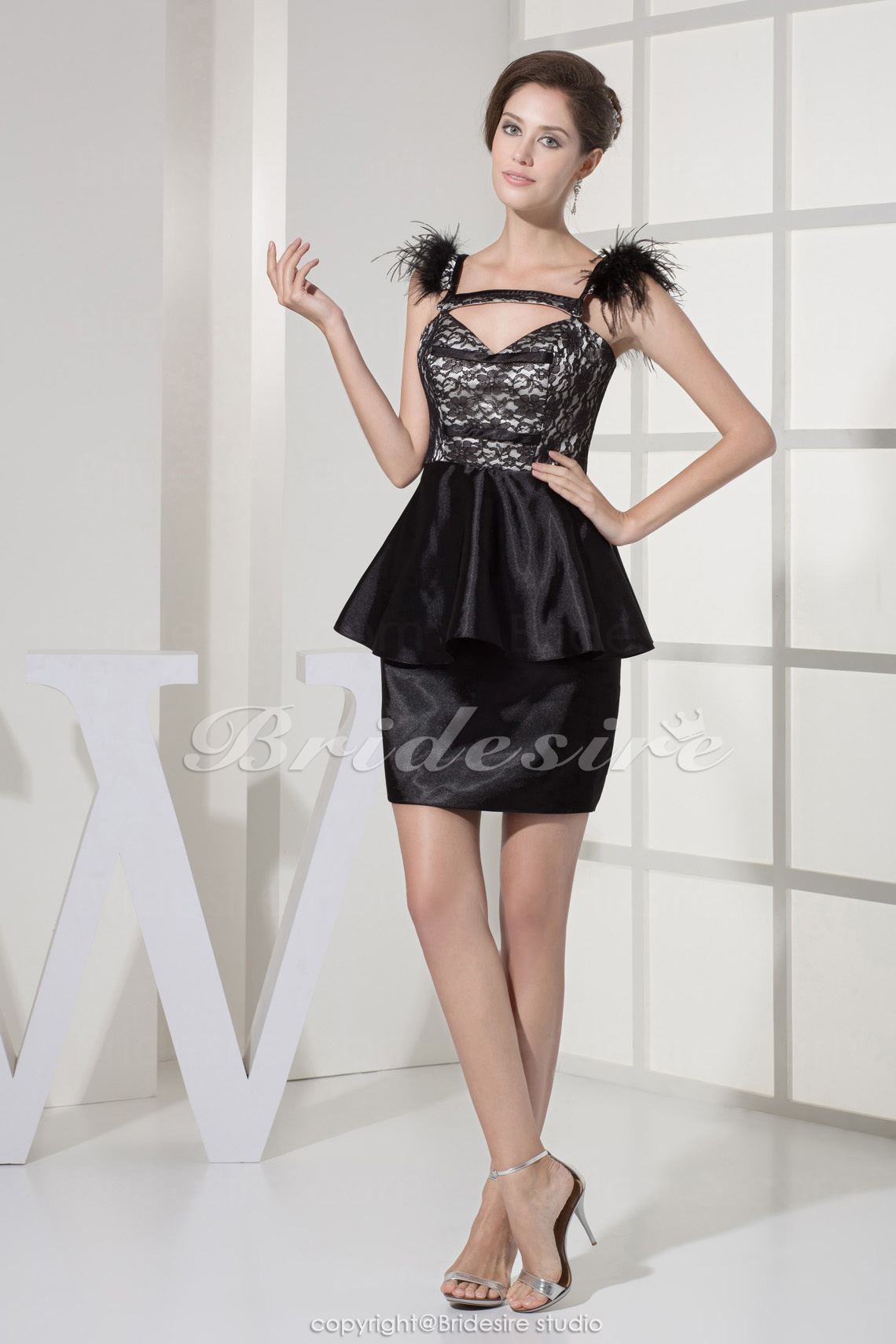 Sheath/Column Straps Short/Mini Sleeveless Stretch Satin Lace Dress