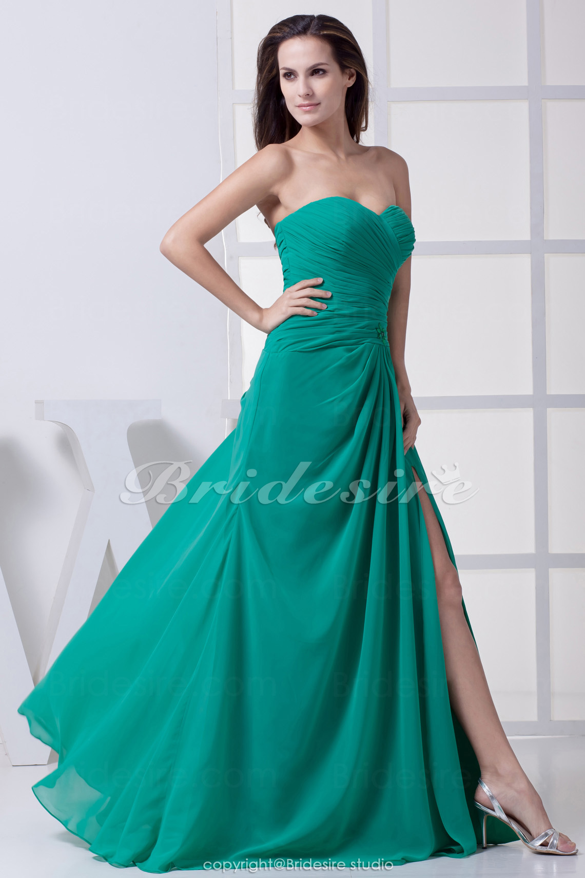 Sheath/Column Sweetheart Floor-length Sleeveless Chiffon Bridesmaid Dress