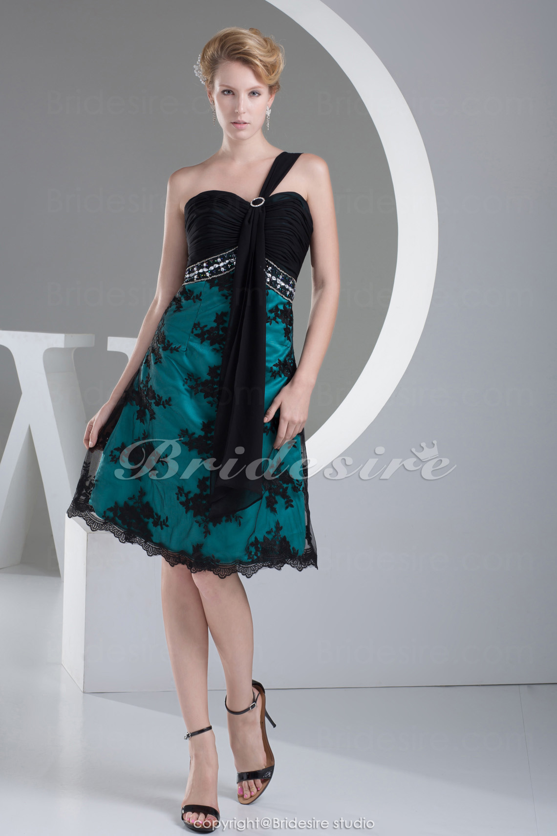 A-line One Shoulder Short/Mini Sleeveless Chiffon Lace Satin Dress