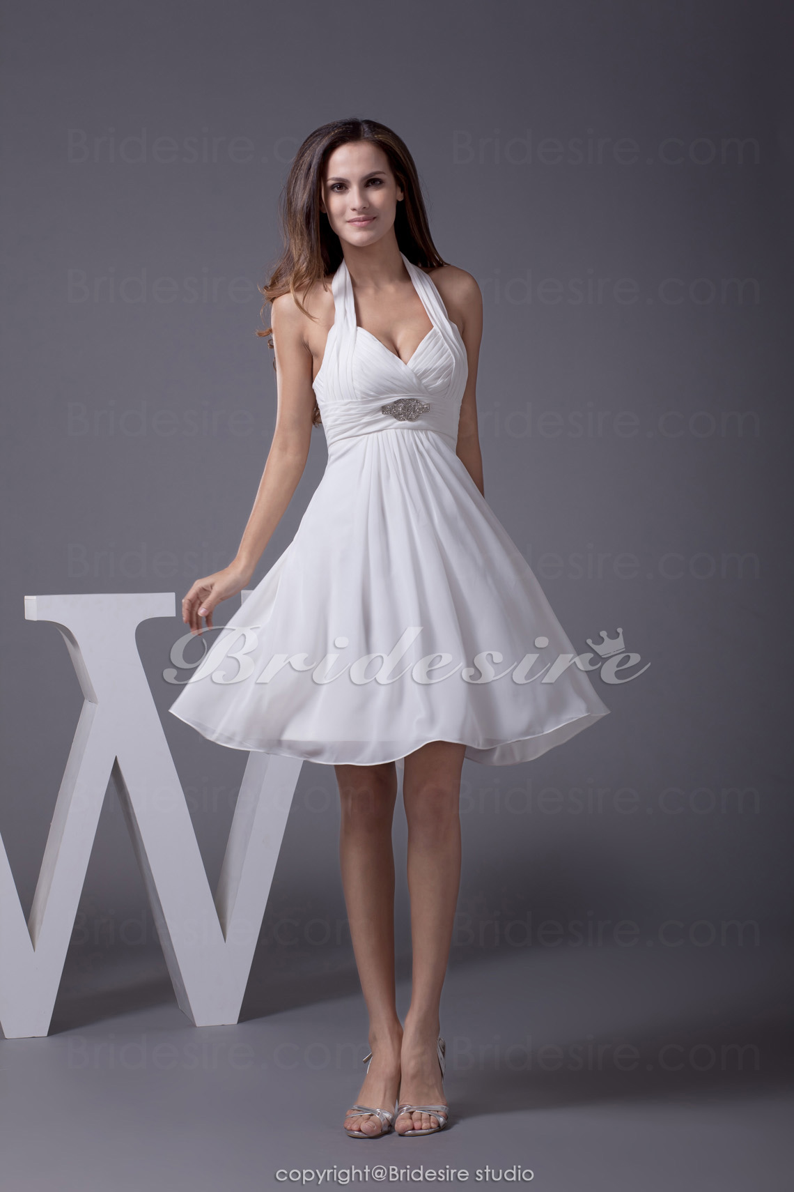 A-line Halter Short/Mini Sleeveless Chiffon Bridesmaid Dress