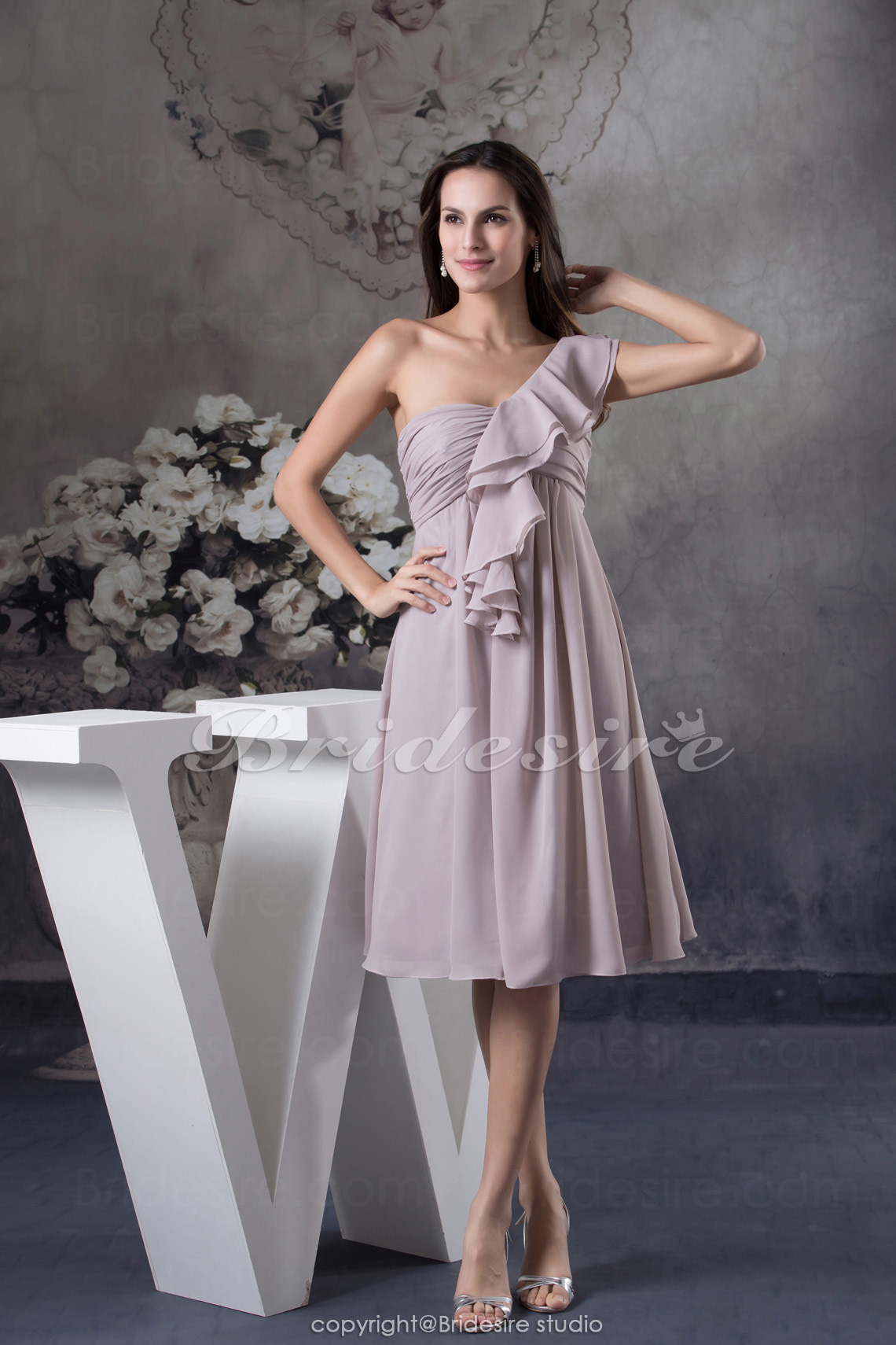 A-line One Shoulder Knee-length Sleeveless Chiffon Dress
