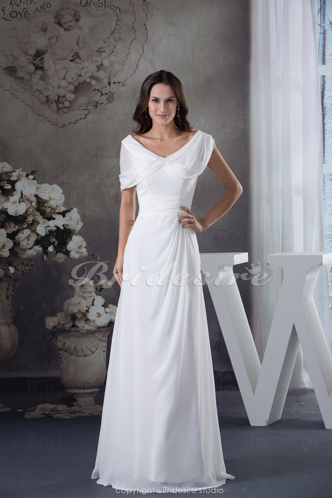 Sheath/Column V-neck Floor-length Short Sleeve Chiffon Wedding Dress