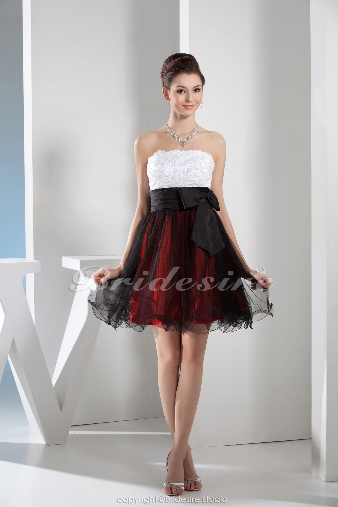 A-line Strapless Knee-length Sleeveless Satin Lace Dress