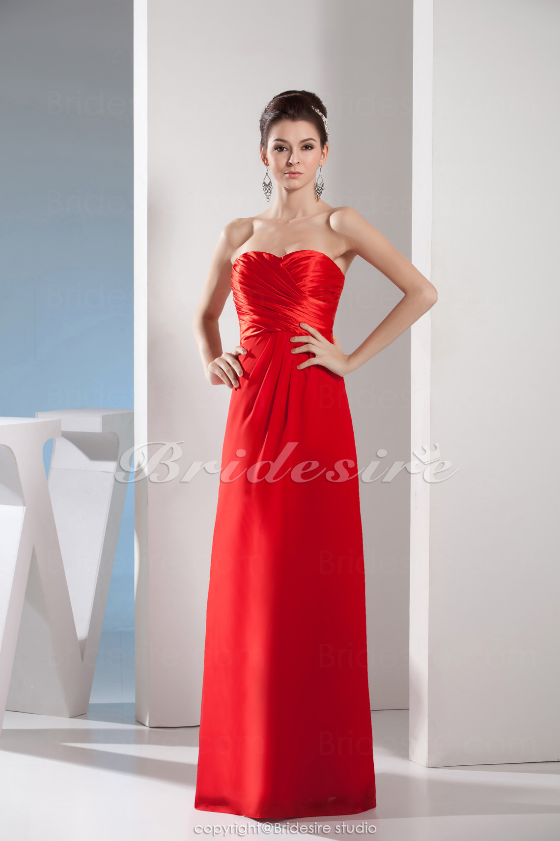 Sheath/Column Sweetheart Floor-length Sleeveless Satin Bridesmaid Dress