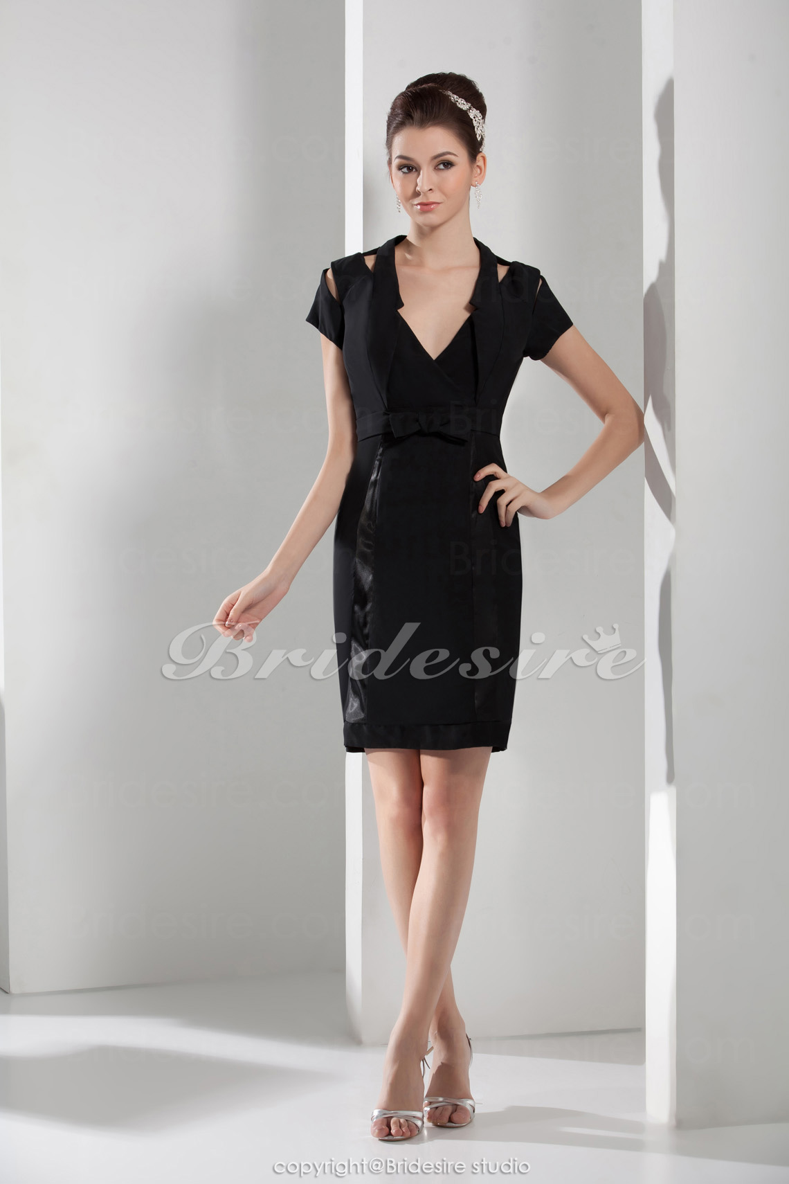 Sheath/Column V-neck Knee-length Short Sleeve Satin Dress