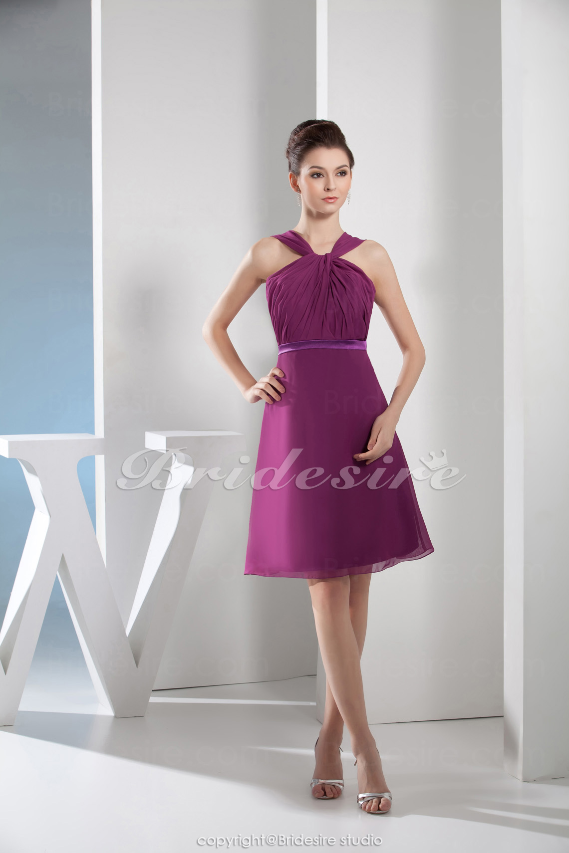 A-line Halter Knee-length Sleeveless Chiffon Bridesmaid Dress