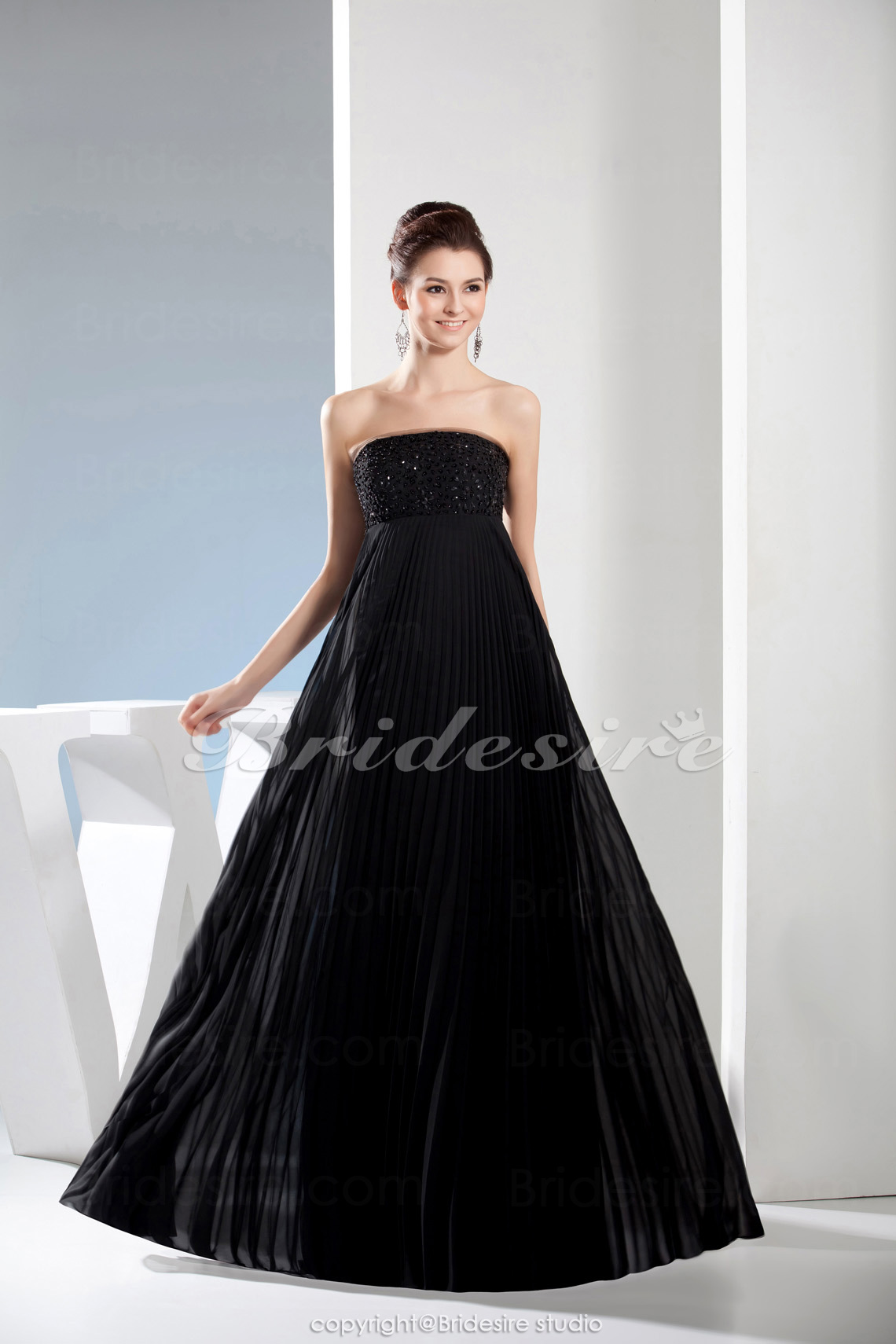 A-line Strapless Floor-length Sleeveless Tulle Dress