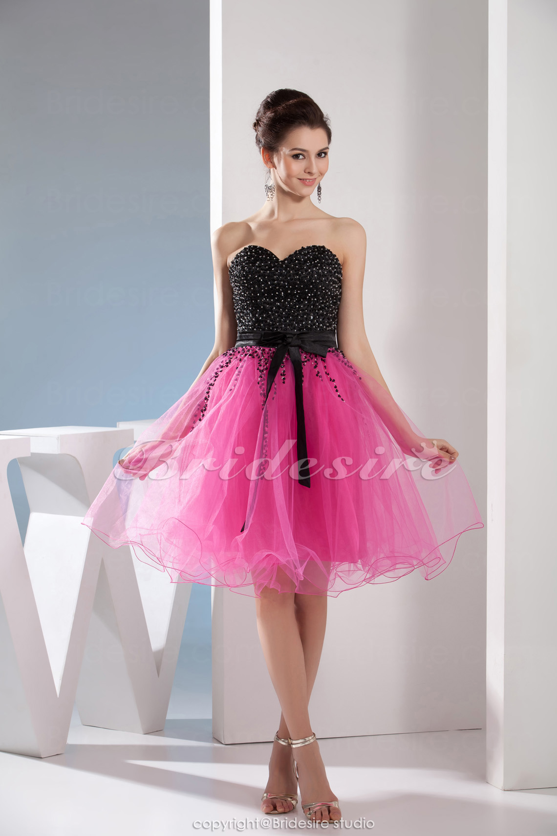 A-line Sweetheart Knee-length Sleeveless Organza Dress