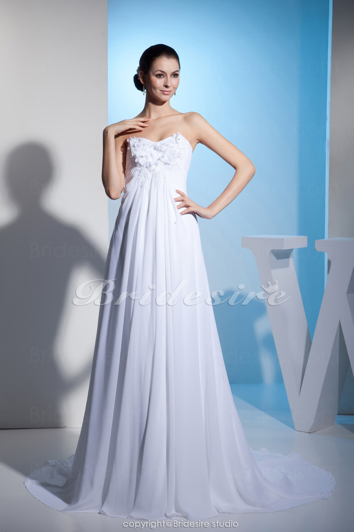 A-line Sweetheart Floor-length Sleeveless Chiffon Wedding Dress