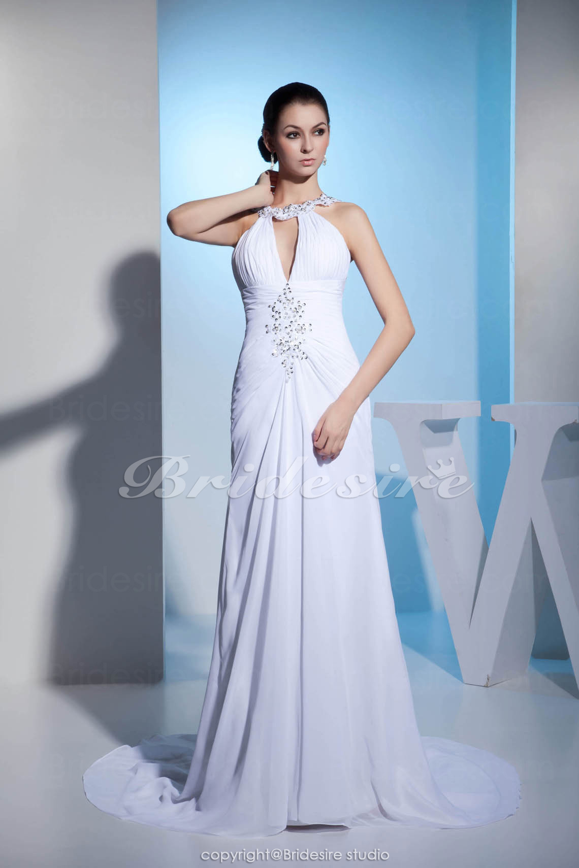 A-line Halter Floor-length Court Train Sleeveless Chiffon Wedding Dress