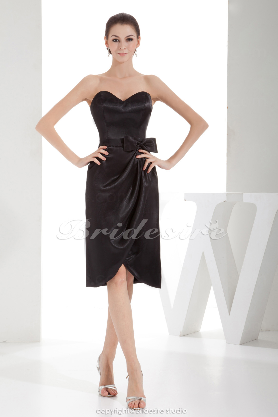 Sheath/Column Sweetheart Knee-length Sleeveless Satin Bridesmaid Dress