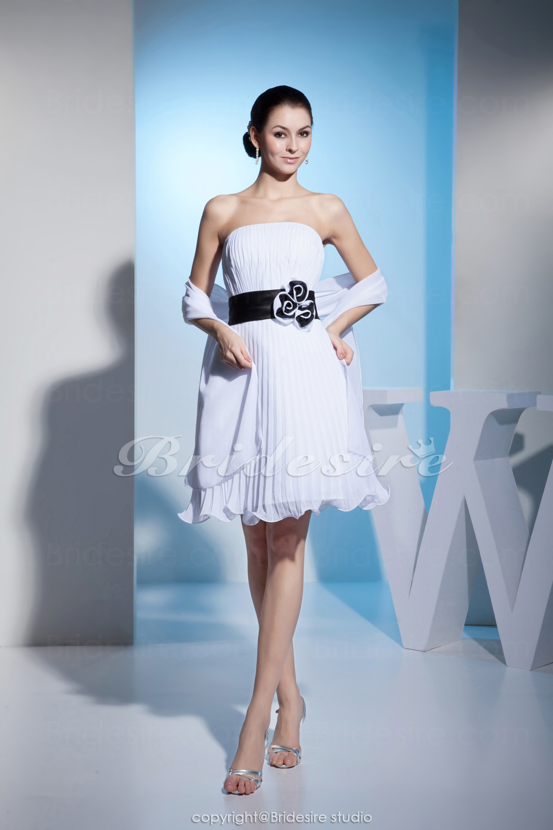 A-line Strapless Knee-length Sleeveless Organza Dress