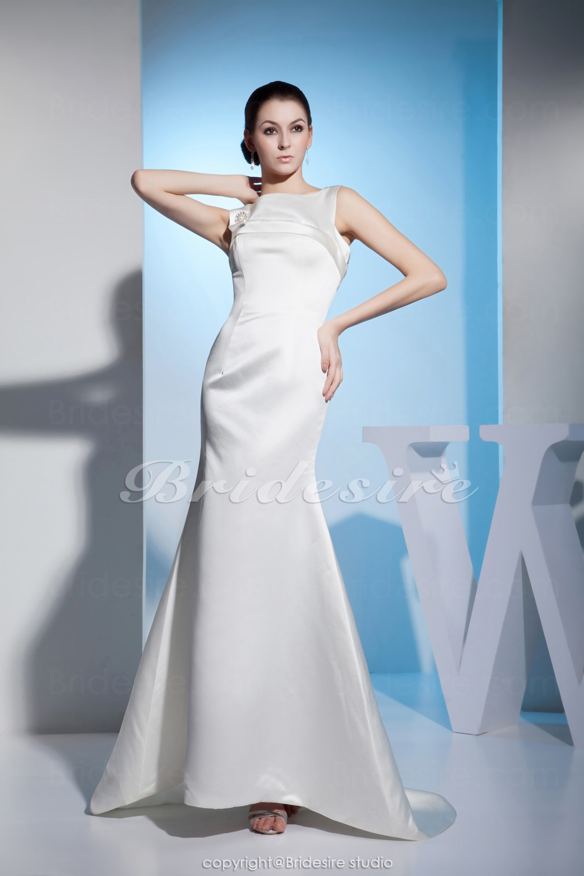 Trumpet/Mermaid Bateau Floor-length Sleeveless Satin Dress