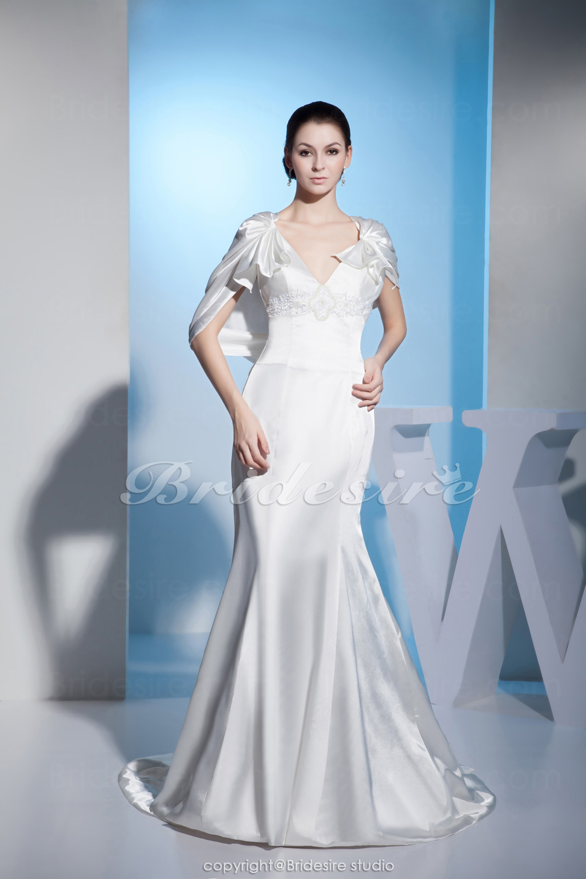 Trumpet/Mermaid V-neck Floor-length Short Sleeve Satin Wedding Dress