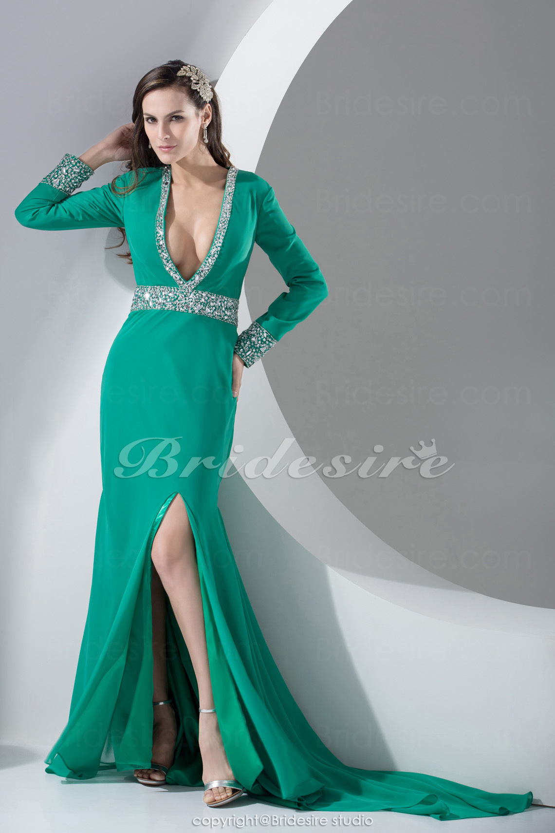 Trumpet/Mermaid V-neck Floor-length Sweep Train Long Sleeve Satin Dress