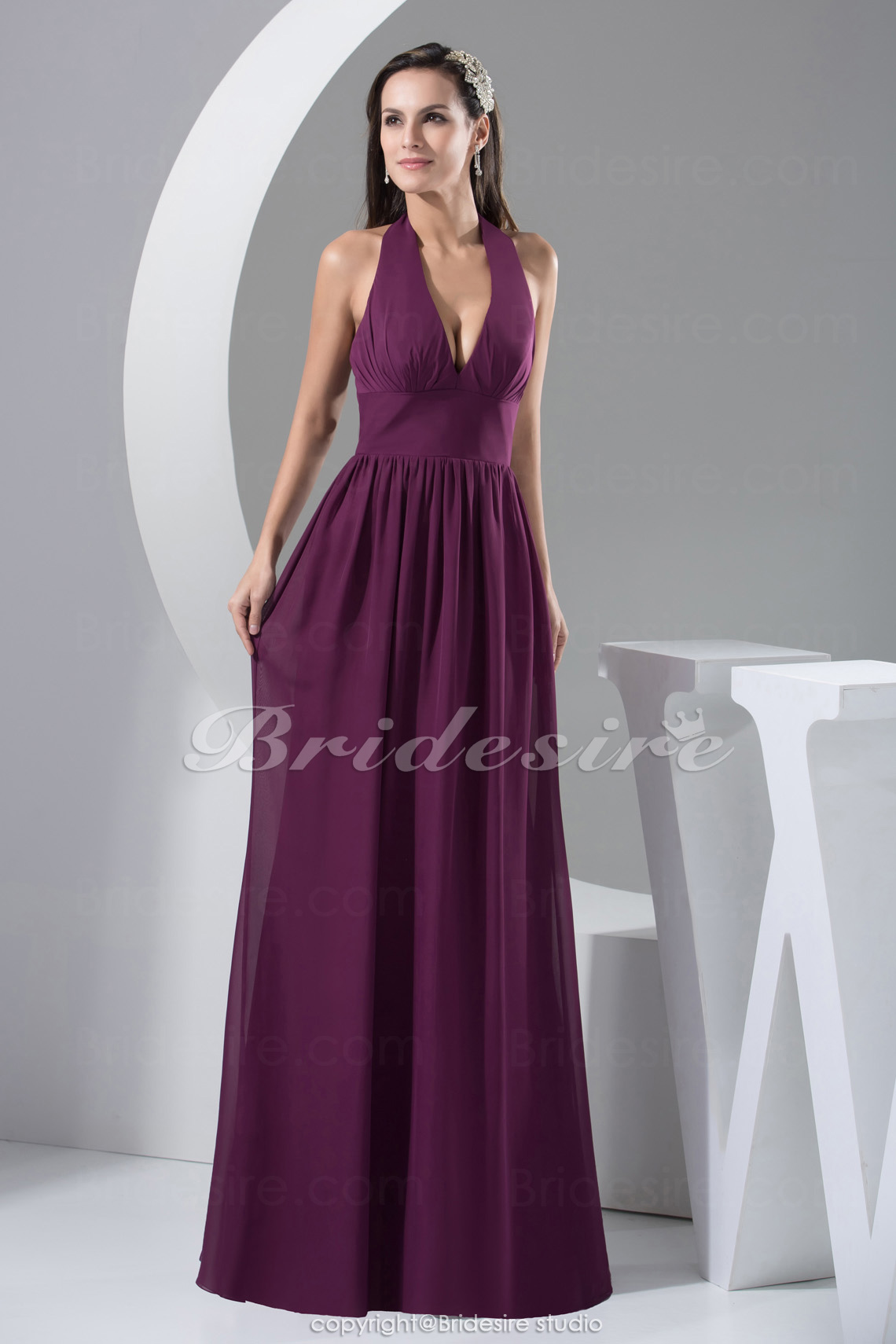 A-line Halter Floor-length Sleeveless Chiffon Bridesmaid Dress