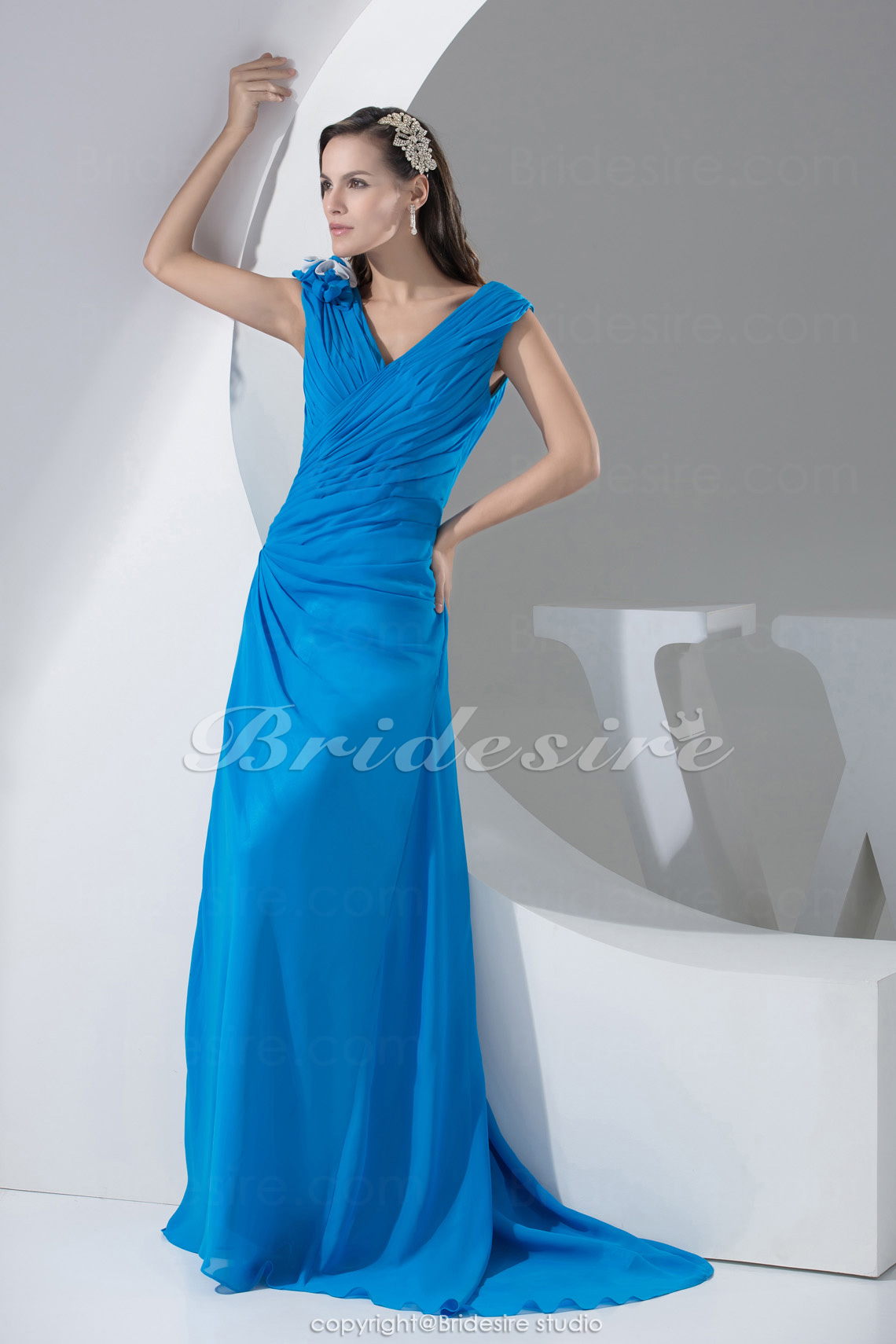 Sheath/Column V-neck Floor-length Sweep Train Sleeveless Chiffon Mother of the Bride Dress