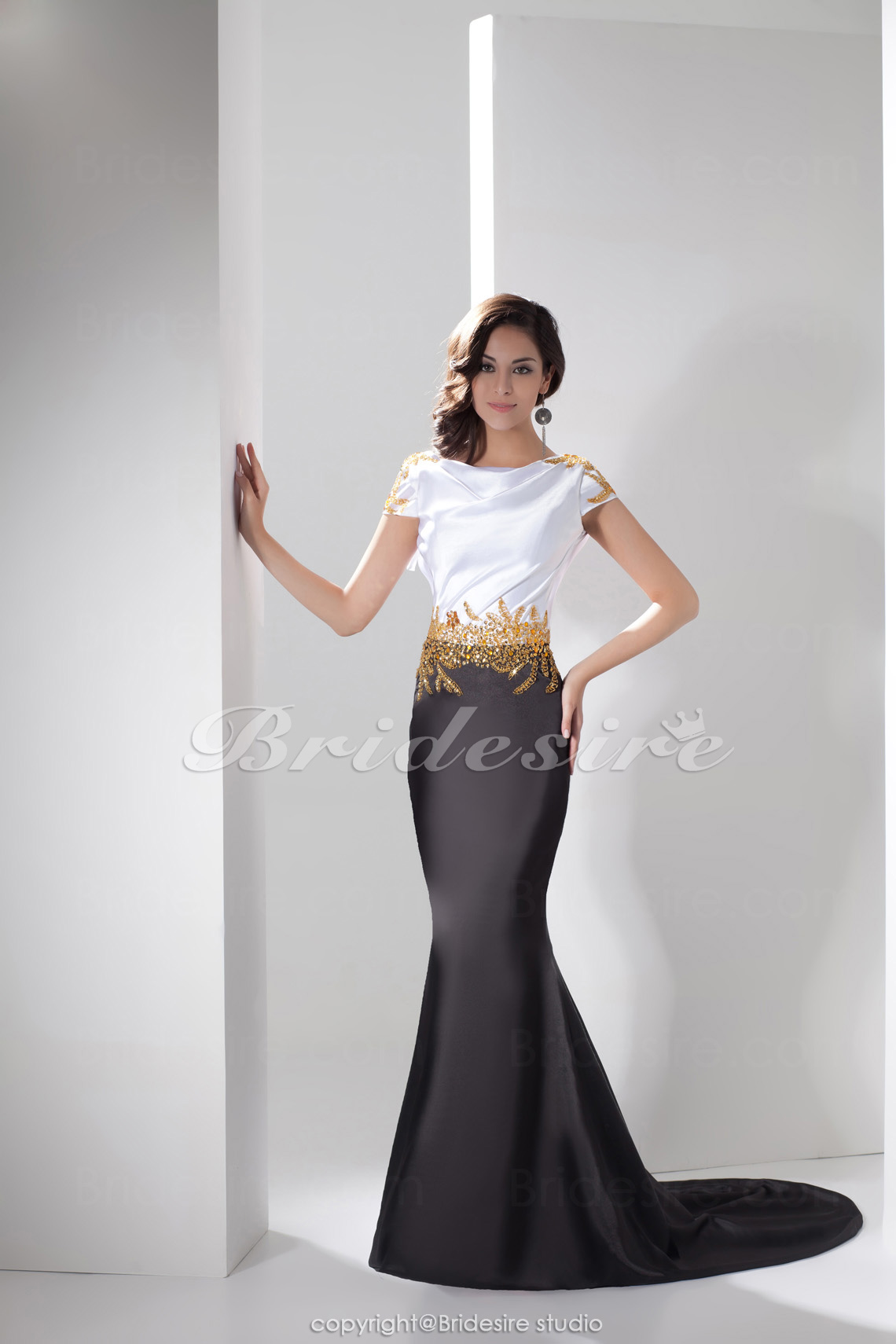 Trumpet/Mermaid Jewel Floor-length Sweep Train Short Sleeve Satin Dress