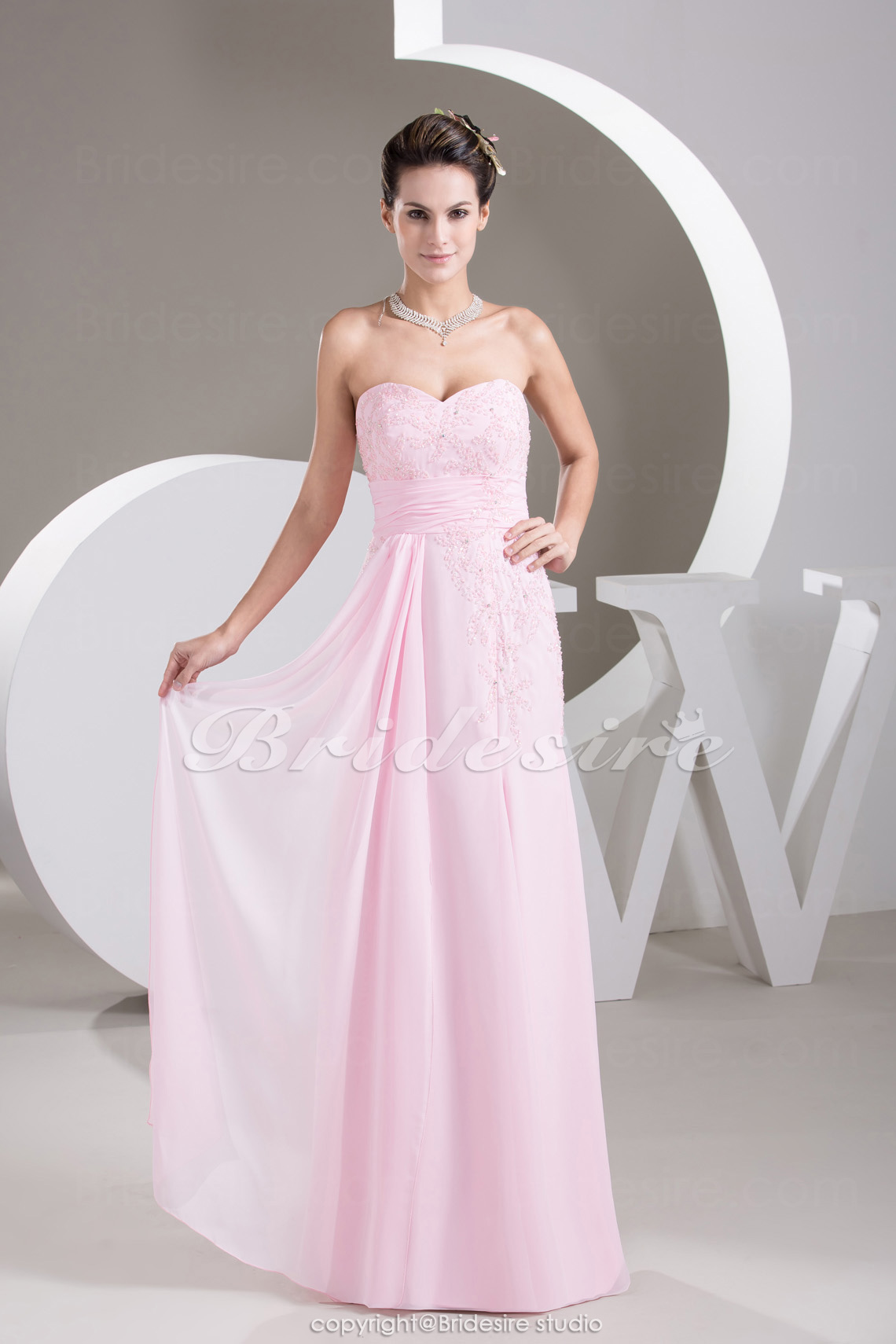 Sheath/Column Sweetheart Floor-length Sleeveless Chiffon Dress