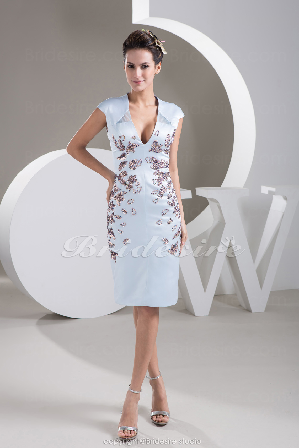Sheath/Column V-neck Short/Mini Short Sleeve Stretch Satin Dress